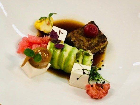 roulade van courgette, gebakken en gemarineerde Tofu - traiteur aromate - huwelijk mariage feestzaal salle de mariage